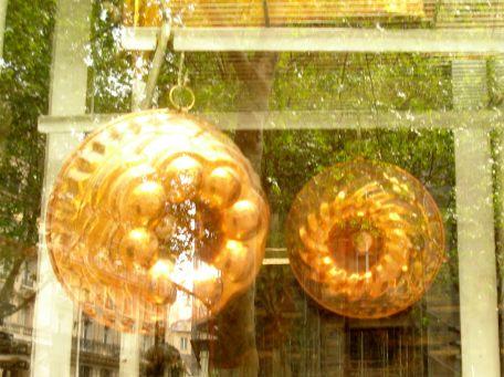 ... des moules a gateaux partout - Cake pans everywhere