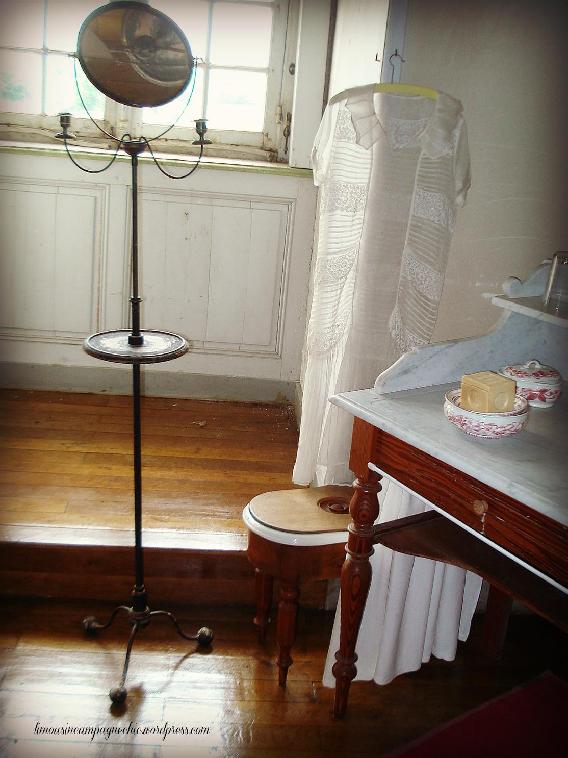 Salle De Bain Foncée : Chateau du fraisse salle de bain un cottage en france