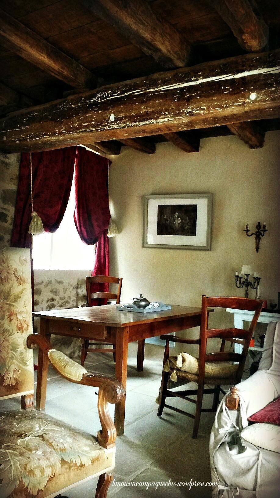 Le coin salle à manger - The eating corner