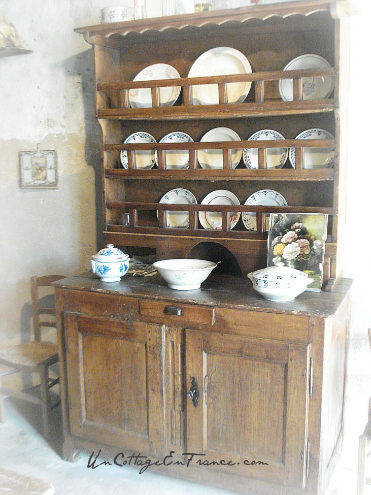 Pièce maîtresse : le buffet - Master piece: the sideboard