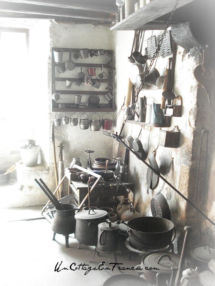 Un Cottage En France - La maison musee, la cuisine