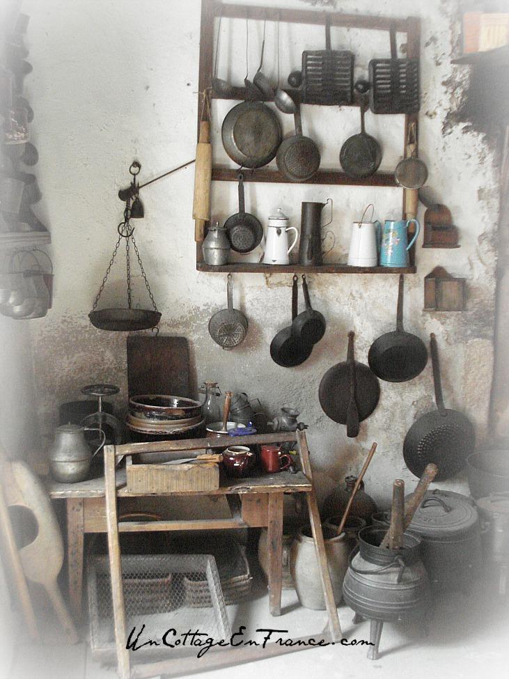 Un Cottage En France - Musee de la vie rustique en Limousin, Montrol-Senard - On est encore proche du moyen-âge non ? Still close to the middle-ages,isn't it?