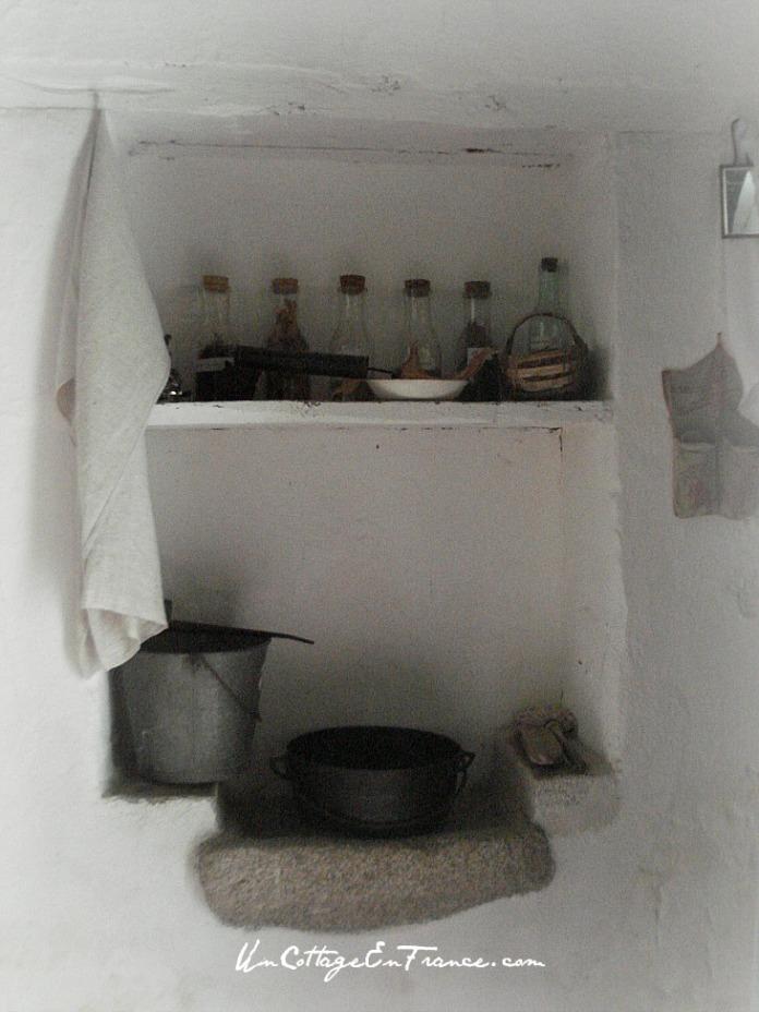 Chez moi, c'est devenu un placard - At my place, the sink corner has become a cupboard