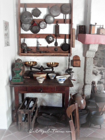 Farm kitchen in France - Un Cottage En France