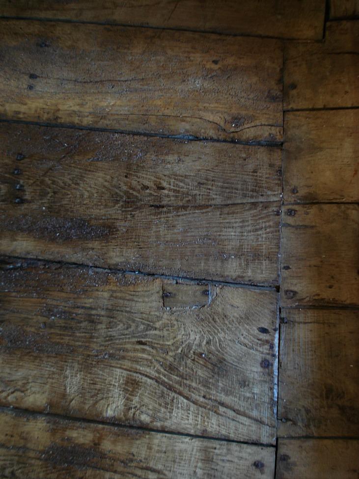 Le vieux plancher qui craque - The old creaking wooden floor