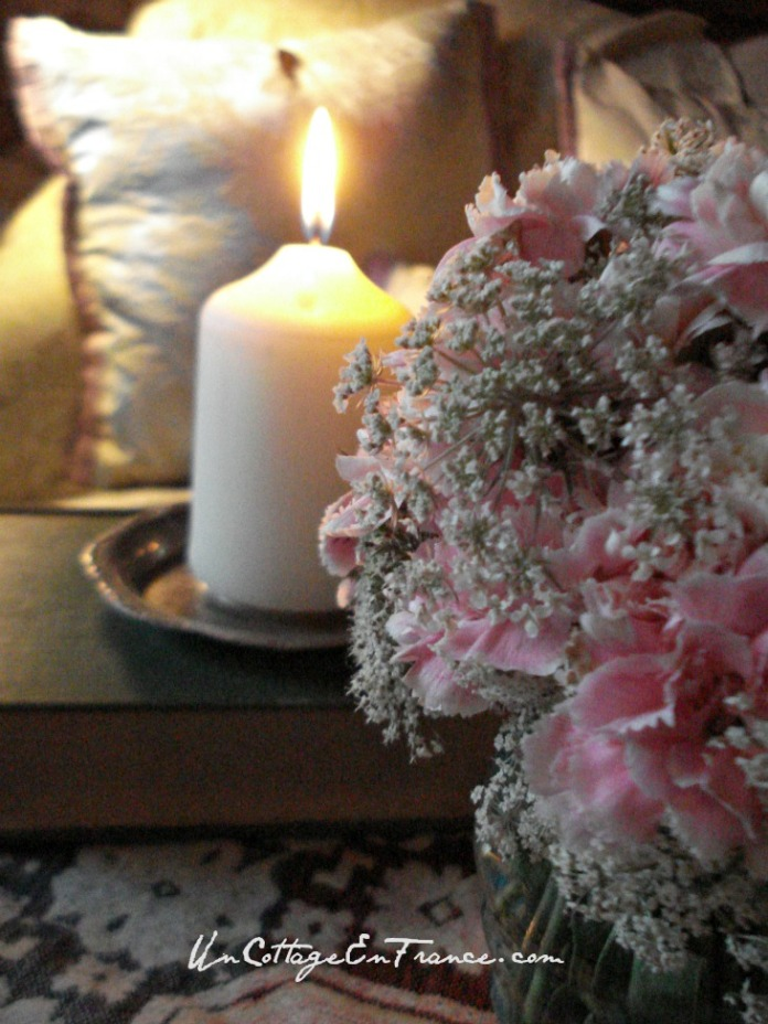Un Cottage En France - Shabby chic carnations
