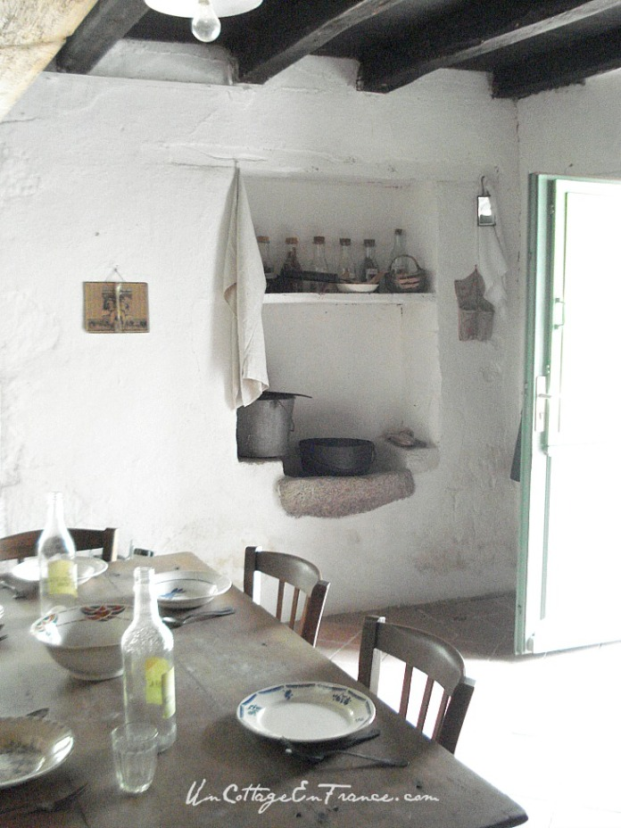 L'étagère du vieil évier - The old sink shelf