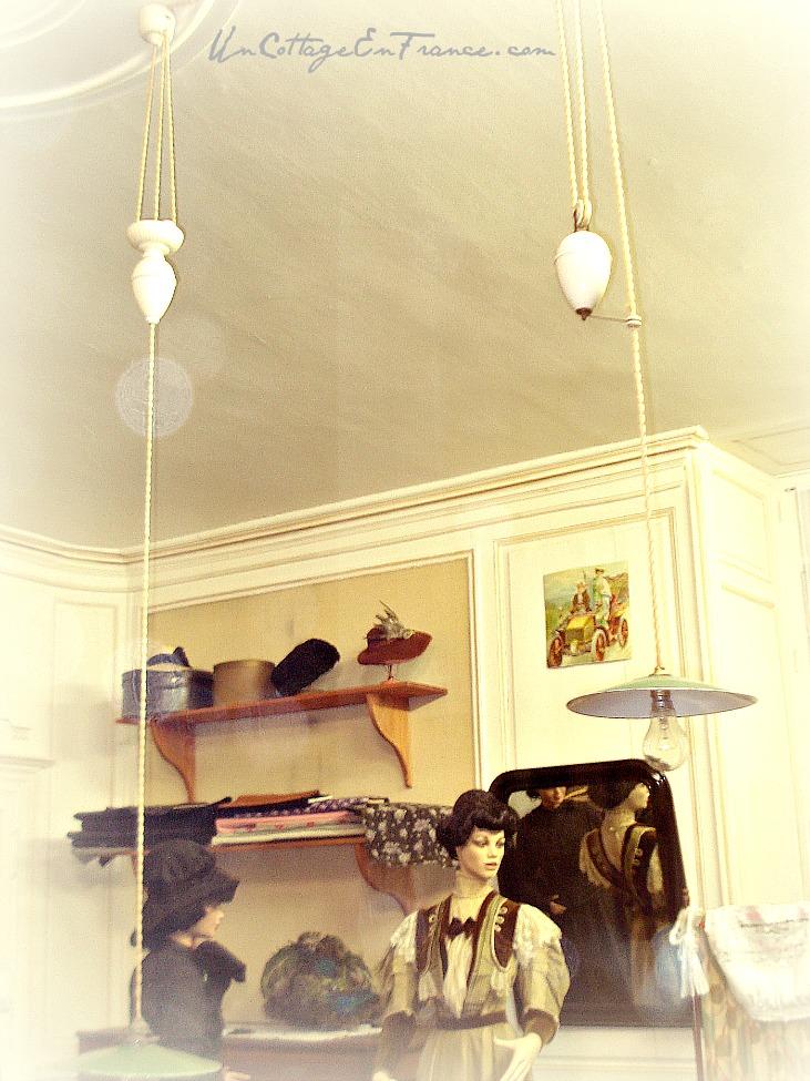 Chez la couturiere - musee de Chateauponsac