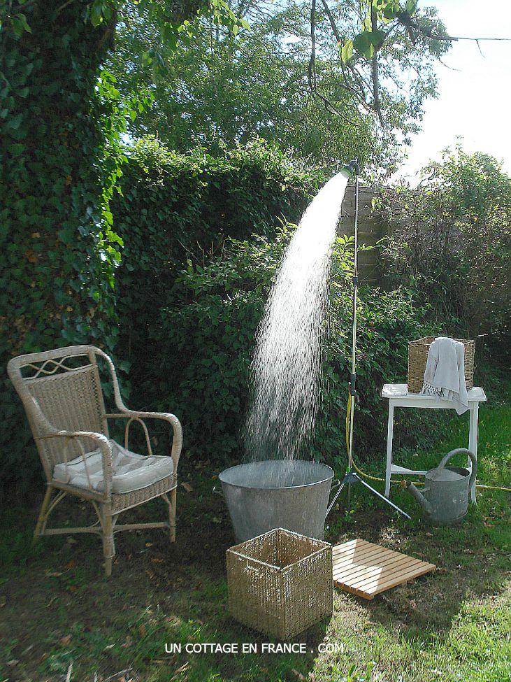 Douche de jardin pour faire face a la canicule