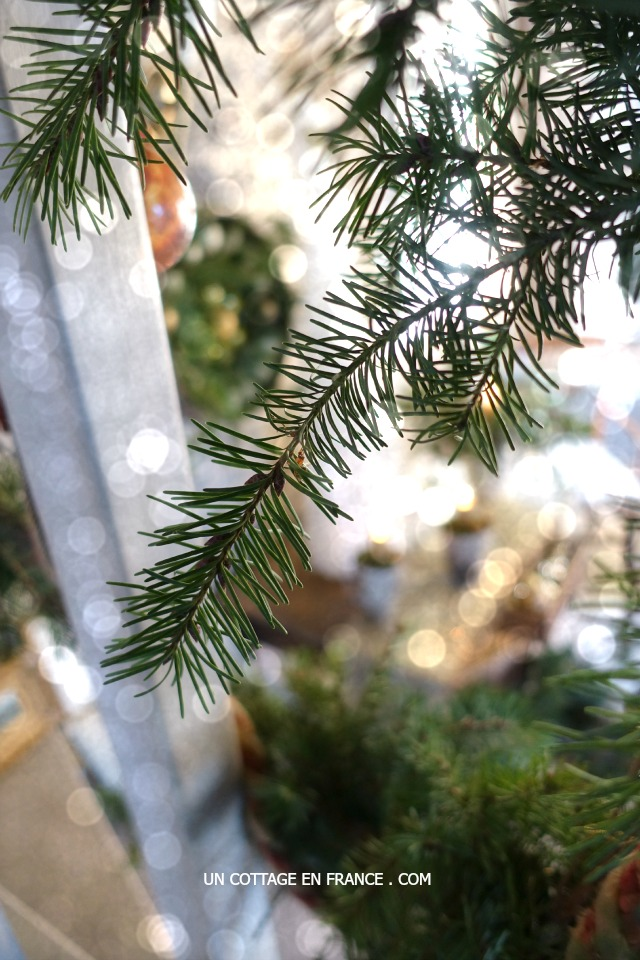 Arbre de Noel en plumes 4