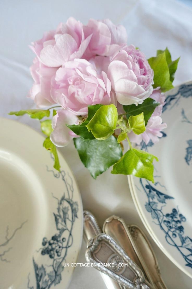 La Giralda et les assiettes Gien bleues, vivre a la campagne