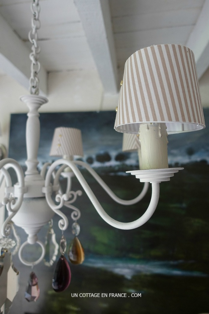 Le lustre rustique APRES relooking (The rustic chandelier AFTER shabby chic remodelling)