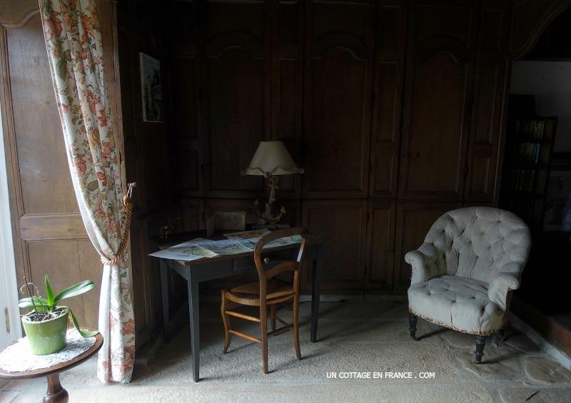 chateau-de-dompierre-les-eglise-chambre