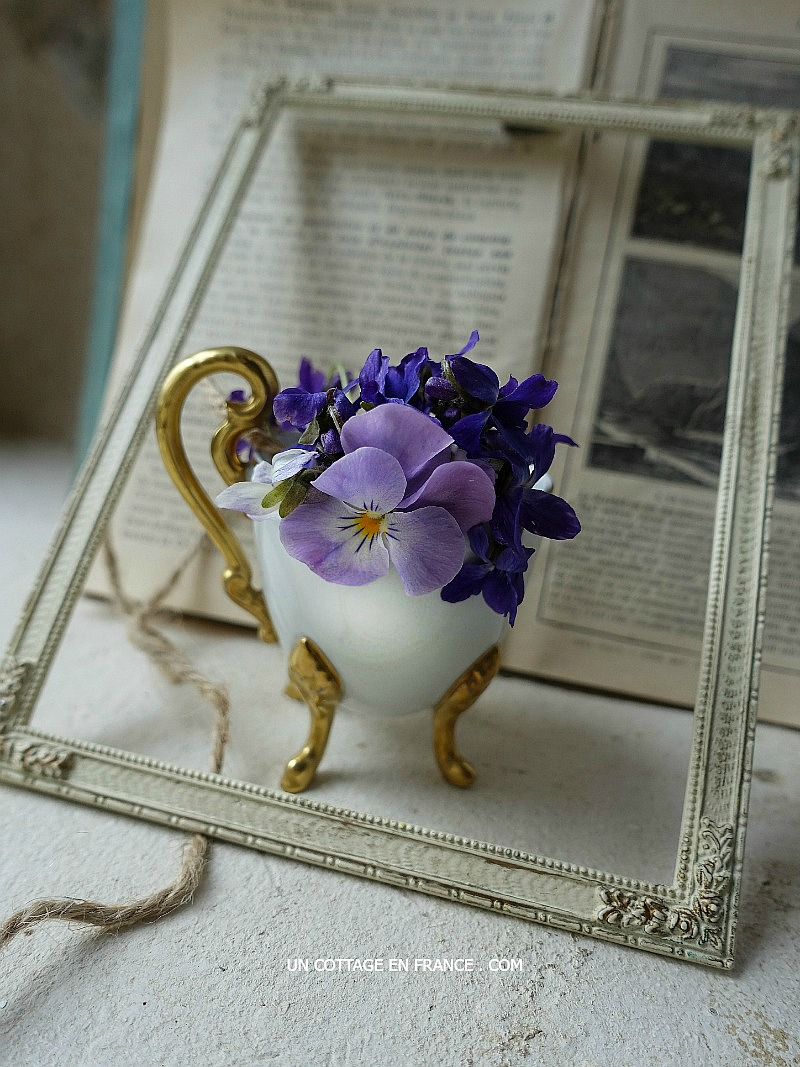 le-petit-bouquet-francais-the-french-little-violets-bouquet