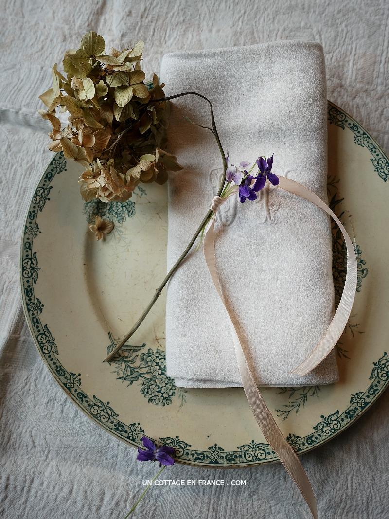 INVITATION aux couleurs romantiques des hortensias (Invitation under the romantic spell of hortensias' colours)