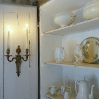 Mélange de blancs : le placard remanié campagne chic | Old whites : the country chic repurposed cupboard