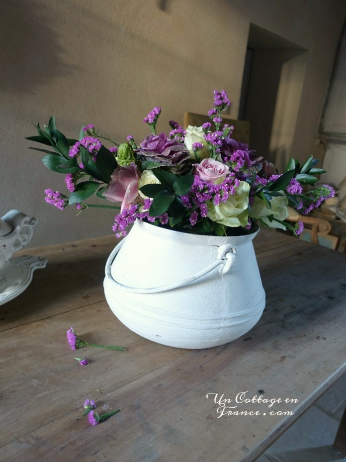 Bouquet de novembre dans le chaudron blanc - blog Un Cottage en France 7