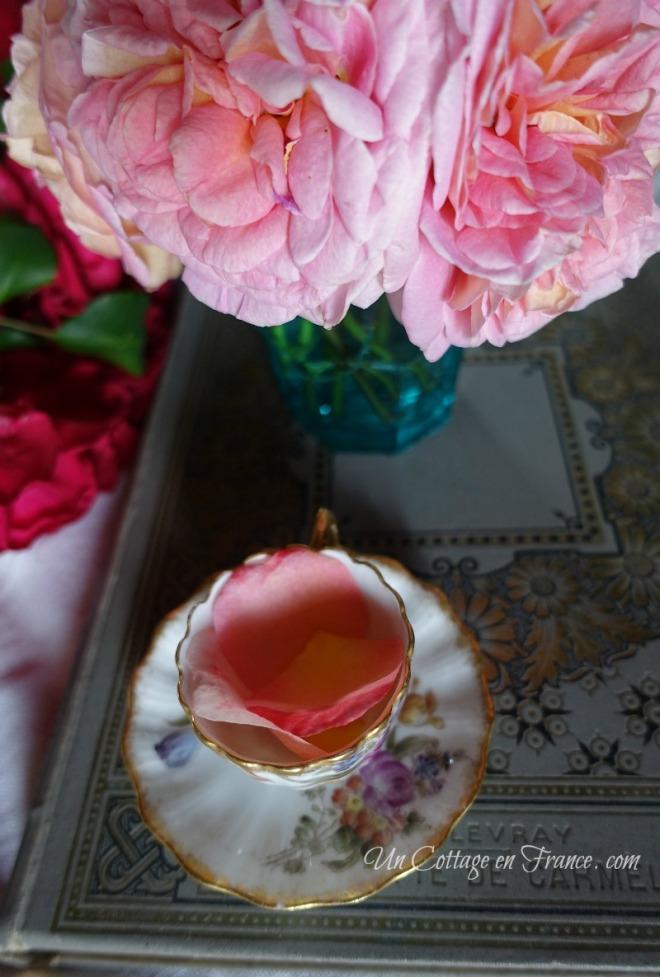 Un brin de poésie à table (Some poetic table arrangement in vie)