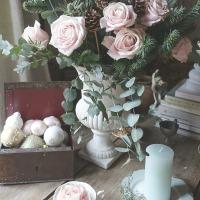 Noël en douceur : avec des roses pâles | Soft Christmas feel : with soft pink roses
