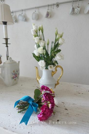 Bouquet d'oeillets romantique (Romantic pink carnations arrangement)