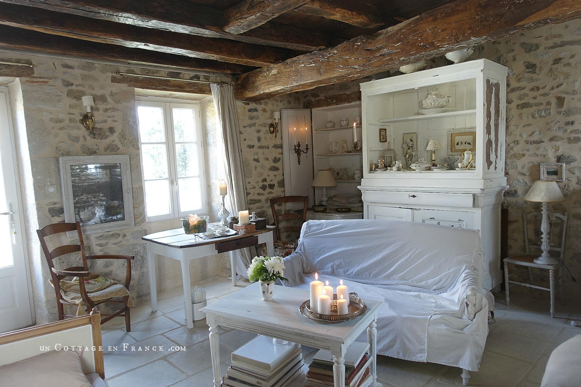 Décoration romantique en blanc pour le cottage 2018 11