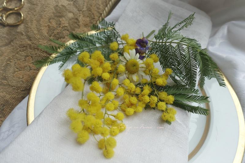 Mimosa en décoration de table, blog country chic 3s