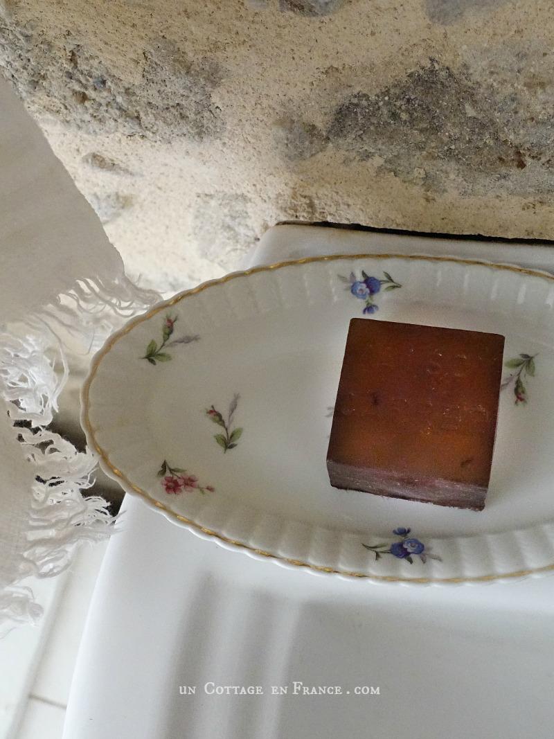 savon ambre classique parfumerie maison carrée