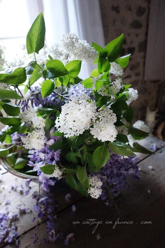 Bouquet cottage lilas blanc glycine, blog cottage chic 3