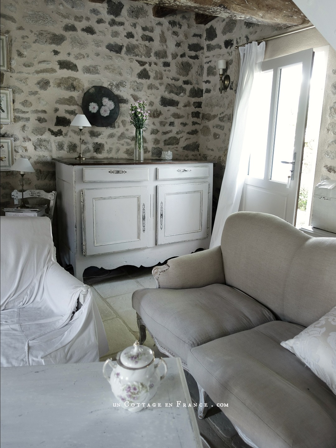 Relooking campagne chic du buffet régional (The regional sideboard country chic makeover)