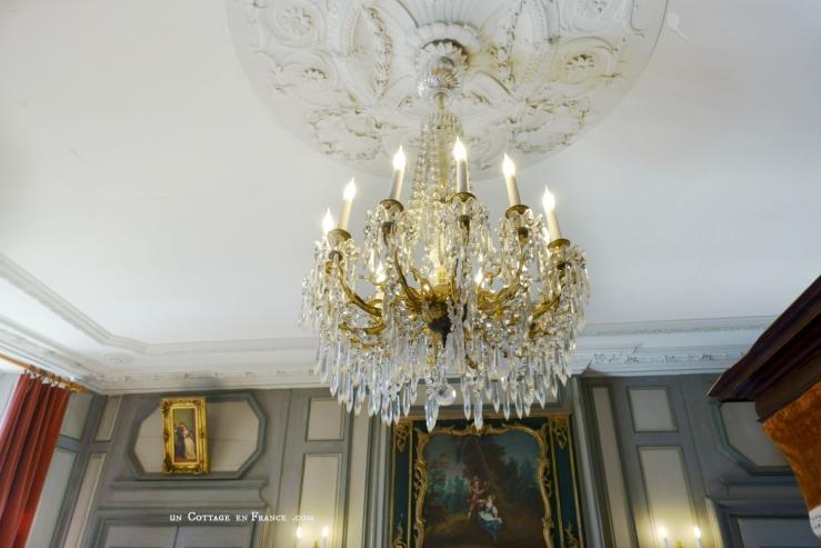 Manoir de Gisson Sarlat salon lustre 1