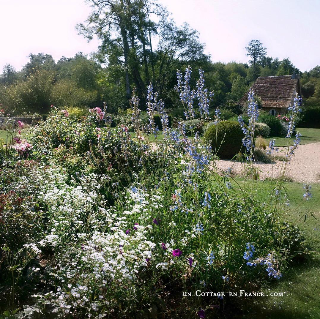 jardin romantique du domaine des Etangs country chic campagne chic