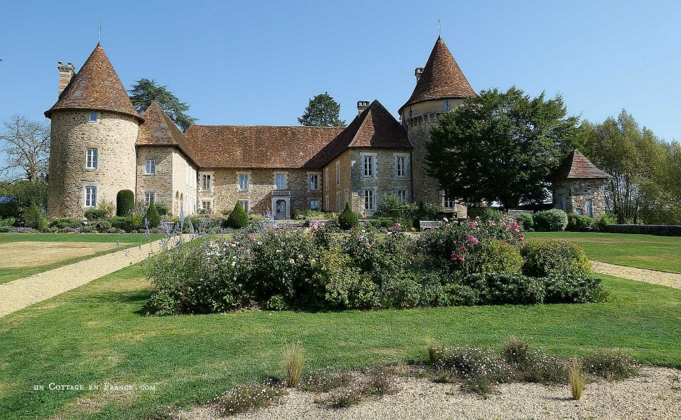 Le Domaine des étangs, French country chic hotel in Charente 1.jpg
