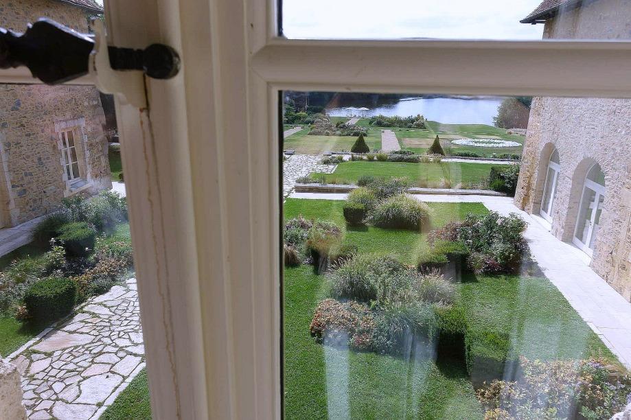 hôtel romantique jardin romantique du domaine des Etangs
