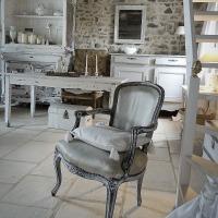 Option décor clair romantique au salon | A white cottage decor option in the living room