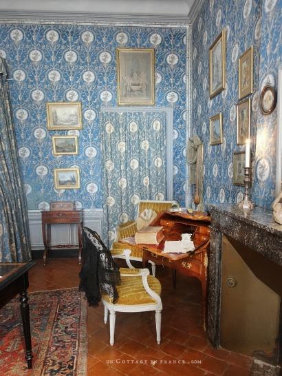 maison d'artiste, french country desig, george sand Berry, chambre romantique, décor ampagne chic bleu, french farmhouse style
