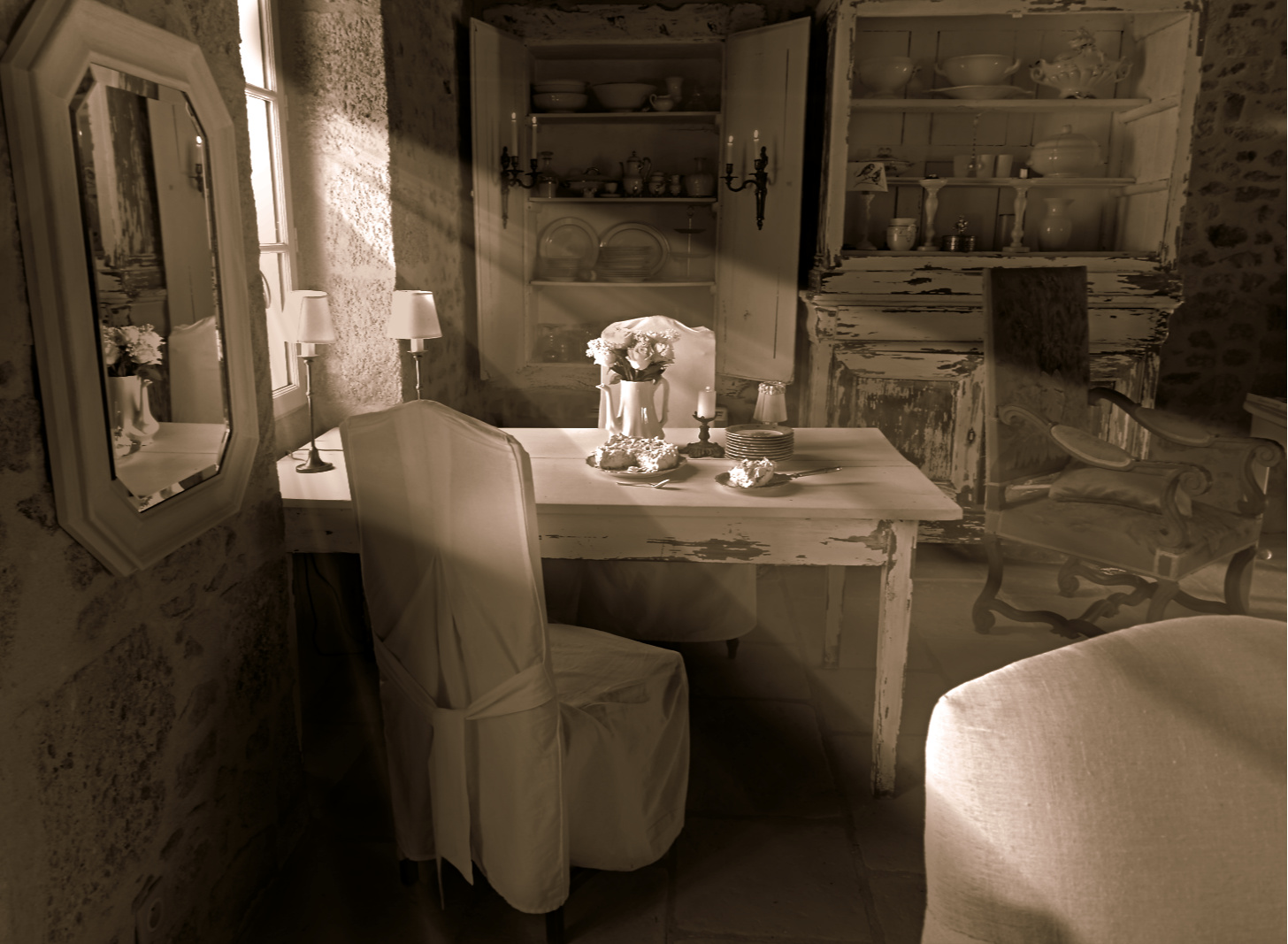 colette malpaud #whitecottagecharm #uncottageenfrance #campagnechic #frenchinterior #frenchfarmhousestyle #frenchcountry #frenchliving #fixerupperstyle #frenchcountrycottage #allthingsfrench #frenchcottage #farmhousevignette #cottagevignette #chippypaint #frenchdecoration #fermette #countrychic #rustique #rusticdecor #decorustic #cottagedecor #maisondecampagne #campagnedecoration #countryhomemag #brocante